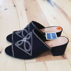 Restricted shoes, size 9,5